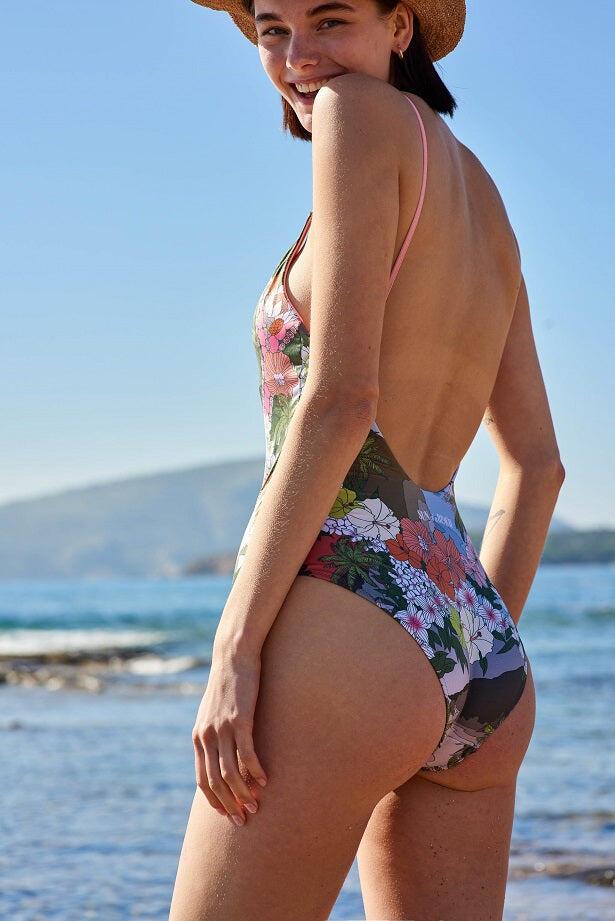 Surf n' Turf V-shape Swimsuit